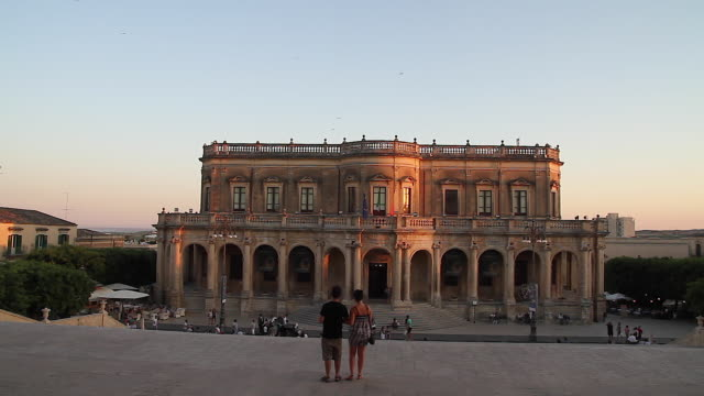 Tracking the stunning baroque Ducezio Palace, now the Town Hall, Noto, Sicily, Italy