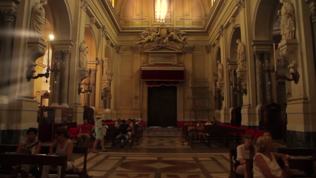 tracking through the stunningly ornate cathedral of palermo, sicily, italy - basilica stock videos & royalty-free footage