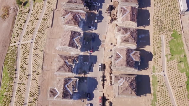 tract housing construction - aerial view - santa clarita stock videos & royalty-free footage