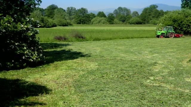 HD: Tractor Bailing Hay