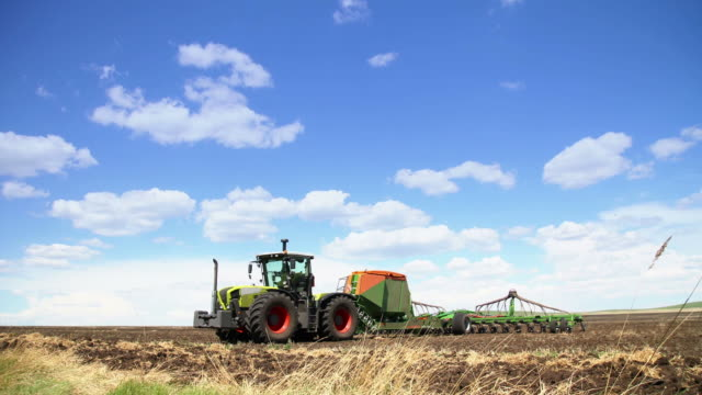 tractor timelapse - stationary stock videos & royalty-free footage
