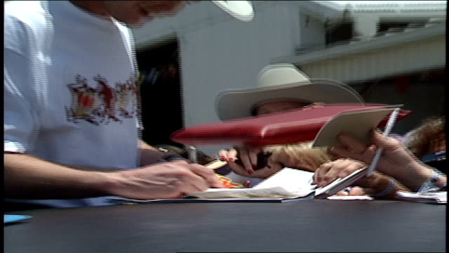 tracy lawrence signing autographs out of sun roof of limo in nashville, tn - sun roof stock videos & royalty-free footage