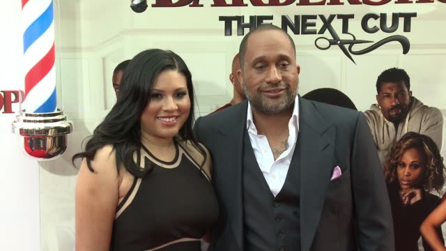 stockvideo's en b-roll-footage met tracy oliver and kenya barris at barbershop the next cut los angeles premiere at tcl chinese theatre on april 06 2016 in hollywood california - tcl chinese theatre