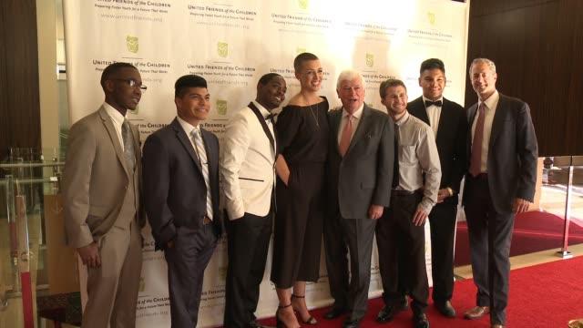 tracy paul & company presents 'united friends of the children' brass ring gala in los angeles, ca 6/6/16 - イベントまとめ動画点の映像素材/bロール