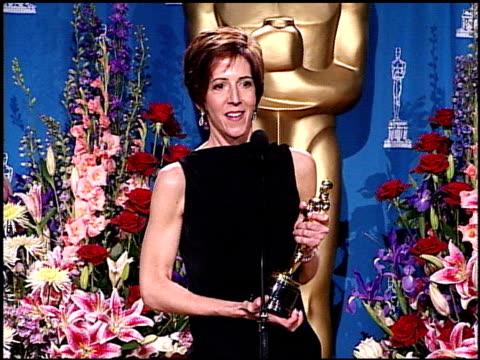 vídeos de stock e filmes b-roll de tracy seretean at the 2001 academy awards at the shrine auditorium in los angeles california on march 25 2001 - 73.ª edição da cerimónia dos óscares