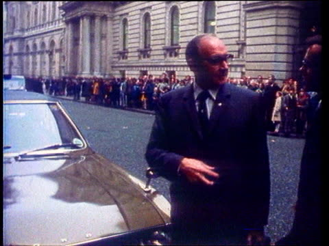 trade union power; ext/wrongly supered 1979 downing st: seq jones out of car and into no 10 tx3.5.76/itn - trade union stock videos & royalty-free footage