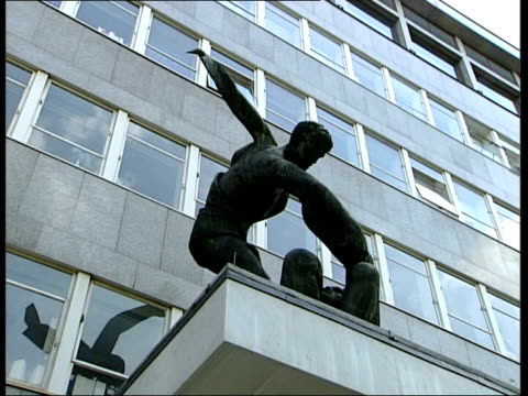 trade unions - meeting over influence; england: london: ext window of tuc headquarters statue outside trades union congress headquarters gv tuc... - trades union congress stock videos & royalty-free footage