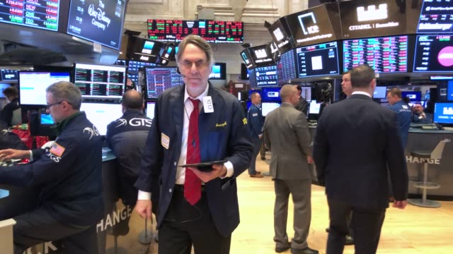 traders work on the floor of the new york stock exchange on may 07 2019 in new york city the dow fell over 450 points today as investors continue to... - market trader stock videos & royalty-free footage