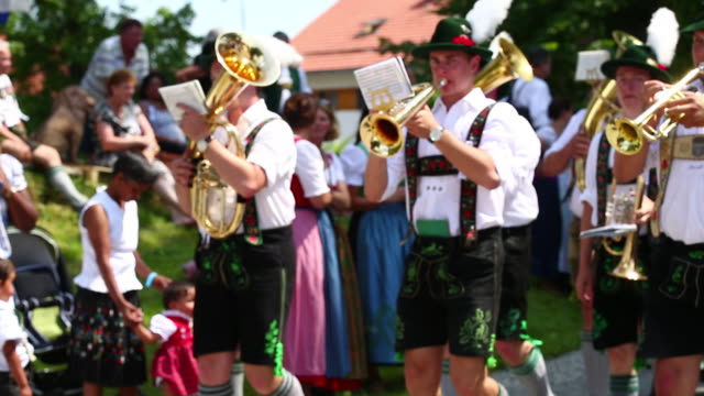 MS Traditional Bavarian Costume Parade
