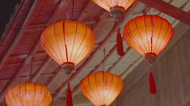 vídeos de stock, filmes e b-roll de lanternas chinesas tradicionais - cultura chinesa
