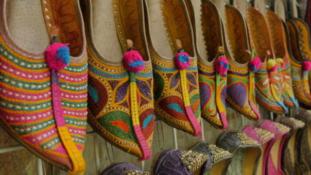 traditional curly toed arabic slippers, dubai city of gold, dubai, united arab emirates, middle east, asia - tradition stock videos & royalty-free footage