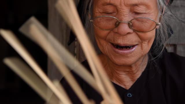 vídeos de stock, filmes e b-roll de traditional fish trap making, hanoi province, vietnam - tradição