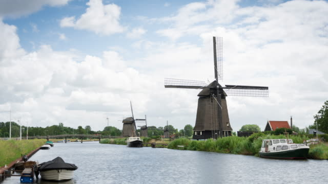 TIME LAPSE 4K: Traditional Holland scene in Alkmaar