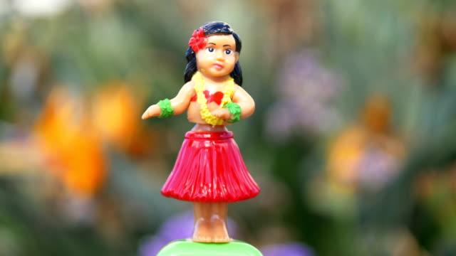 Traditionele hula danser souvenir speelgoed in 4K