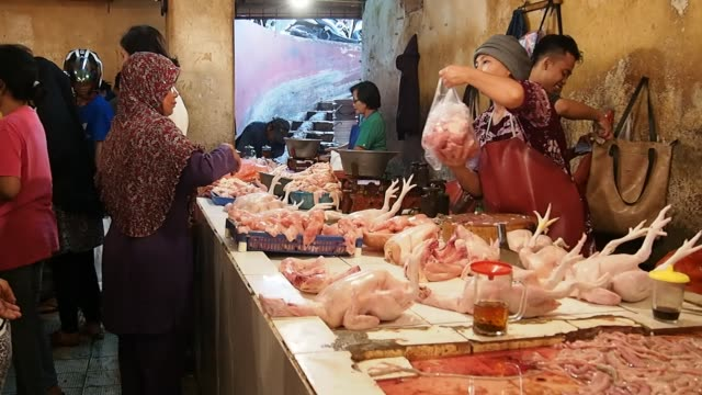 traditional market in indonesia - shopping bag stock videos & royalty-free footage