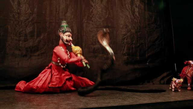 traditional rajasthan puppet show, delhi, india - マリオネット点の映像素材/bロール