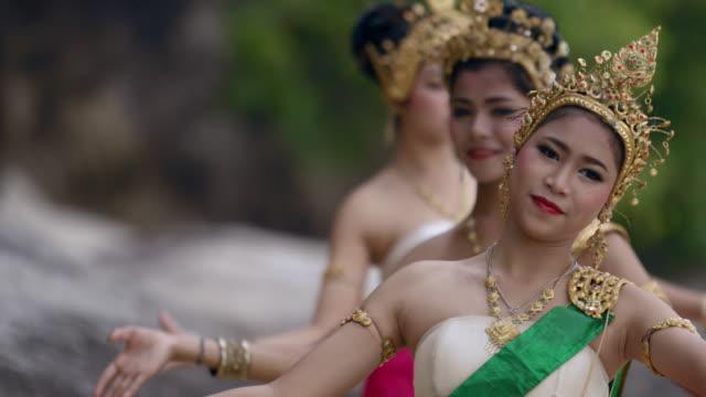 vidéos et rushes de traditional thailand dance - thaïlande