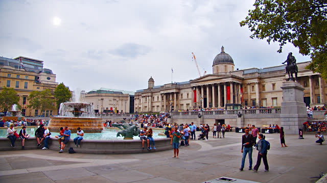 trafalgar square. the national gallery. london. - art and craft stock videos & royalty-free footage