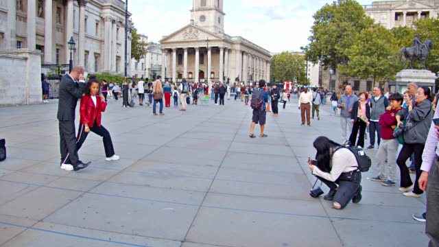 trafalgar square. tourist attraction. church - downtown stock videos & royalty-free footage