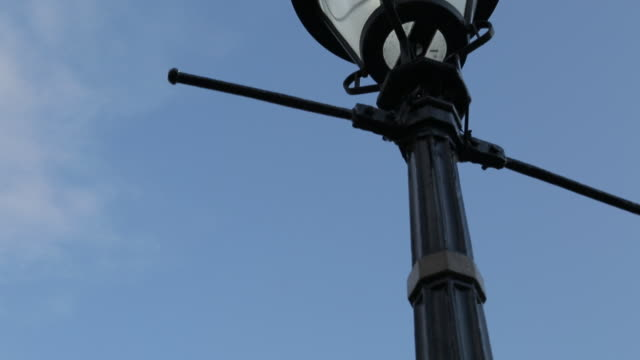 trafalgar square, westminster, london, england, uk - colonna architettonica video stock e b–roll
