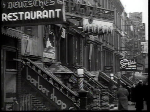 vidéos et rushes de 1938 traffic along 86th street in new york city's german-american neighborhood / new york, usa - 1930