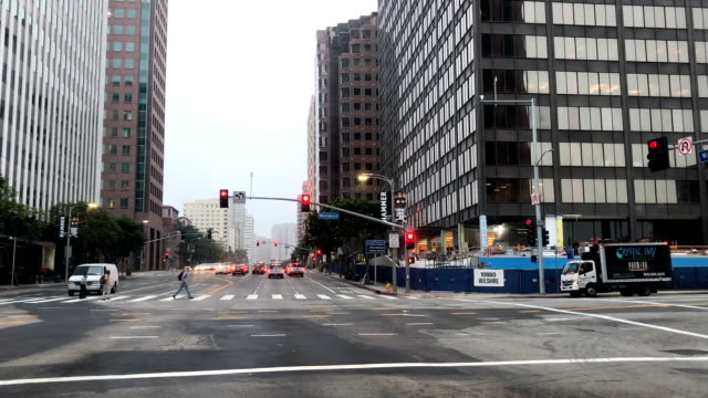 traffic and construction at wilshire and westwood in west los angeles. - westwood stock-videos und b-roll-filmmaterial