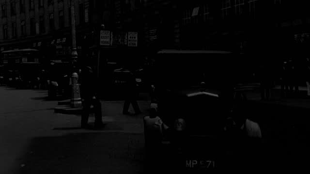 traffic and pedestrians move along london's busy streets. - 1 minute or greater stock videos & royalty-free footage