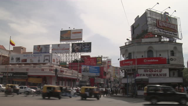 ws traffic and pedestrians on busy road/  bangalore, karnataka, india - bangalore stock videos and b-roll footage