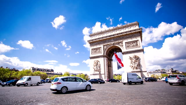 traffic around arc de triomphe - triumphal arch stock videos & royalty-free footage