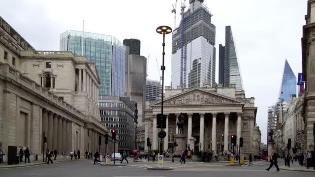 王立証券取引所、ロンドン市内周辺の交通 - 中央銀行点の映像素材/bロール