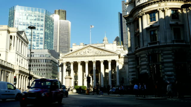 T/L Traffic Around Royal Exchange In London City (4K/UHD to HD)
