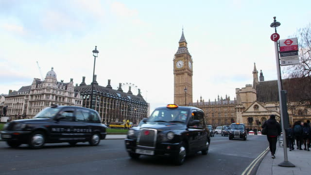 WS Traffic at City of Westminster with Big Ben in background / London, England, United Kingdom