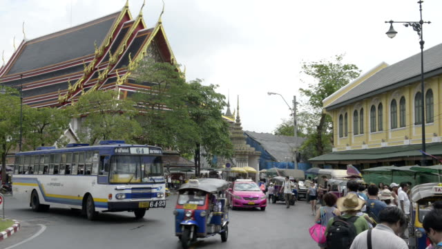 Traffic at Wat Pho temple