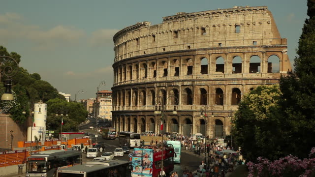 WS Traffic by Colosseum / Rome, Italy