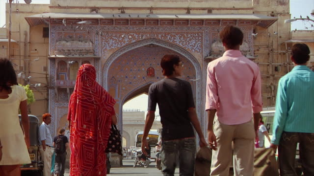 WS Traffic by grand archway in Pink City / Jaipur, Rajasthan, India