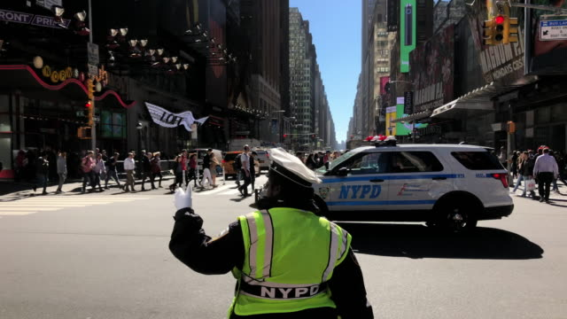 traffic cop directing traffic in new york city - american culture stock videos & royalty-free footage