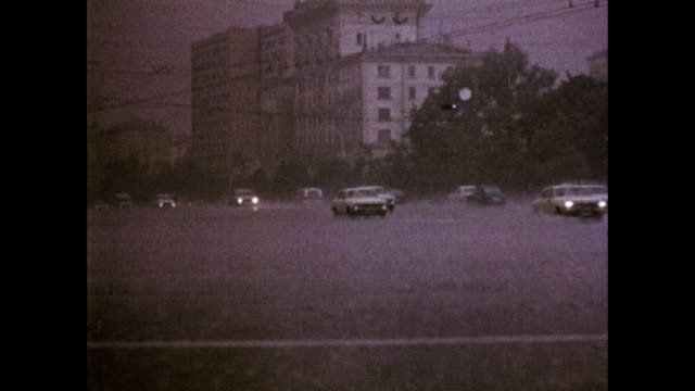 Traffic in a Russian rainstorm