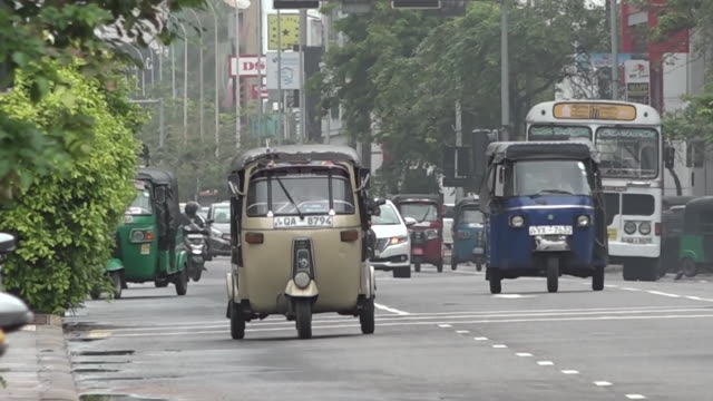 traffic in colombo - sri lankan culture stock videos & royalty-free footage
