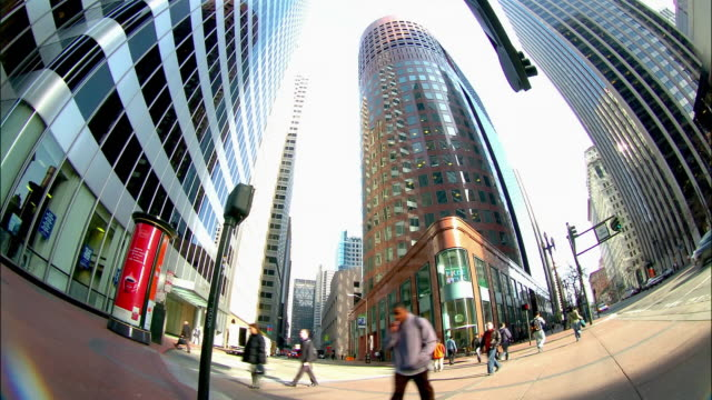 t/l, fish eye, ws, pan traffic in downtown at day and night, san francisco, california, usa - wide angle stock videos & royalty-free footage