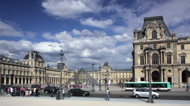 WS Traffic in front of Palais Du Louvre, Paris, France