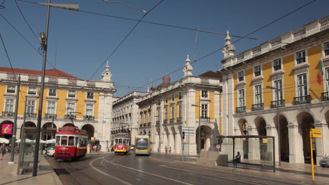 WS Traffic in historic district / Lisbon, Portugal