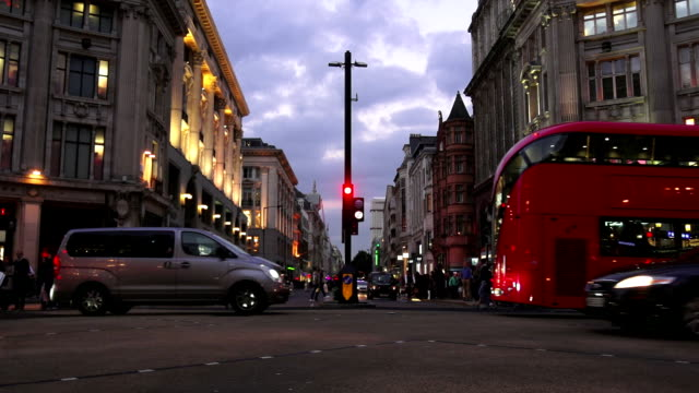 traffic in london oxford circus at the blue hour - oxford circus stock videos and b-roll footage