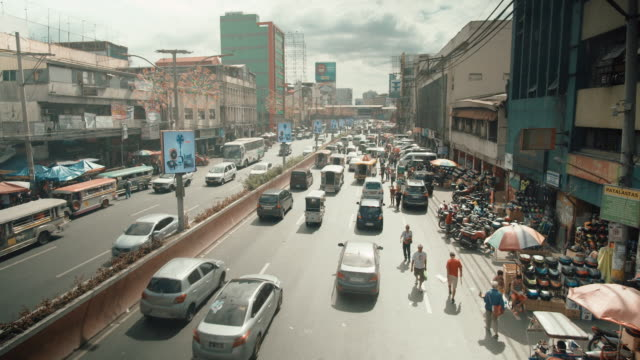traffic in manila, philippines - filippine video stock e b–roll