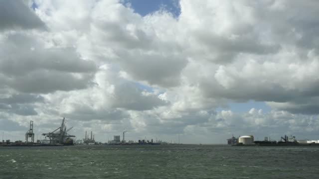 traffic in port - schiffsfracht stock-videos und b-roll-filmmaterial