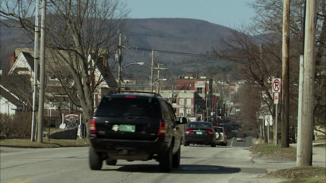 ws traffic in small town / rutland, vermont, usa - vermont stock videos & royalty-free footage