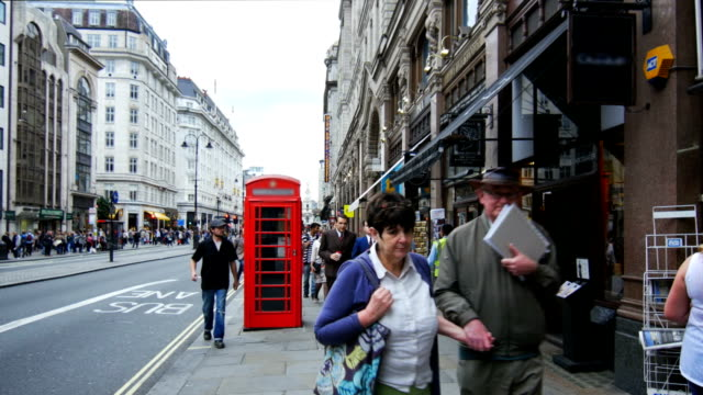 traffic in the strand street in london (4k/uhd to hd). - the strand london stock videos and b-roll footage