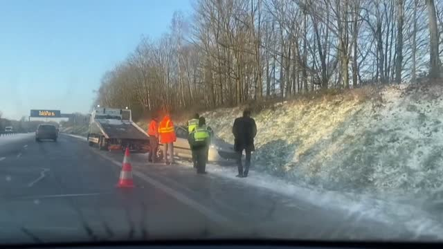 FRA: Snow causes disruption in Normandy