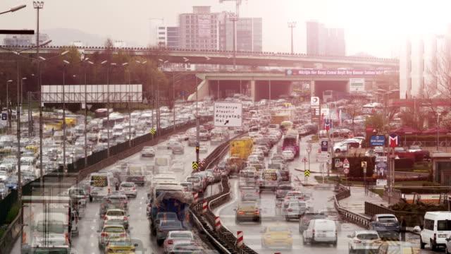 vidéos et rushes de embouteillage 4k - trafic jam