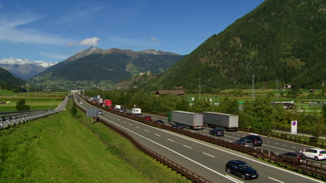 ls traffic jam on brenner highway in the wipptal valley near sterzing (vipiteno) in south tyrol - brennero stock videos and b-roll footage