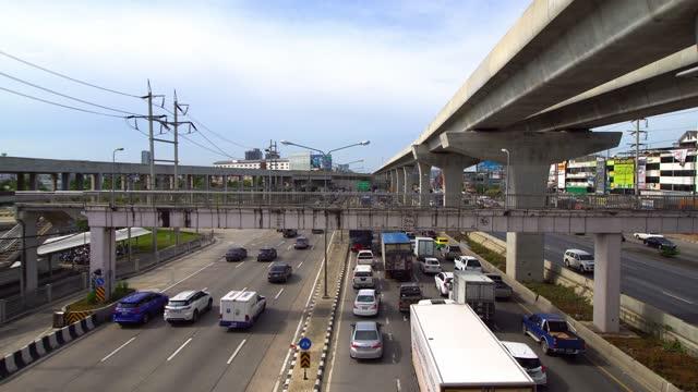 道路ラッシュ時間バンコクタイの交通渋滞。 - traffic jam点の映像素材/bロール